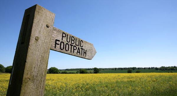 Public-footpath-sign-on-Boudicca-Way