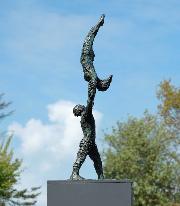 Waveney_Valley_Sculpture_Trail_2017_Bronze_by_Caroline_Mackenzie_2